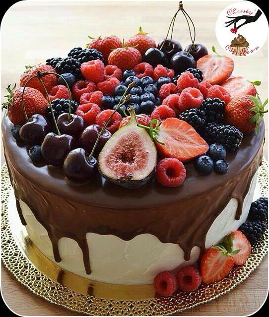 Большой фруктовый торт с фото